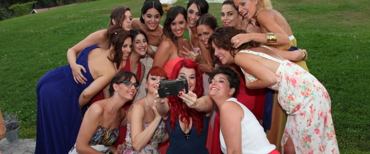 Selfy Party Wedding